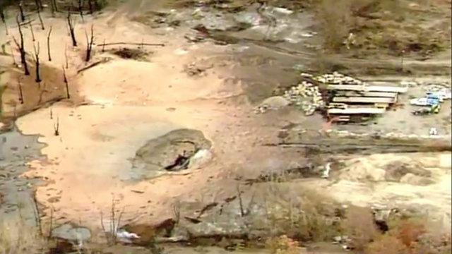 Crater gas line leak fire Oakland County 5_1511269573535.jpg