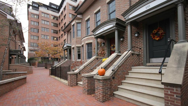 Condominium in sought-after complex in central Ann Arbor for sale