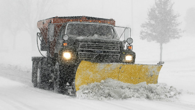 Oakland County road commission looking for 25 part-time snow plow drivers