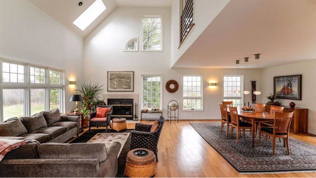 Home with beautiful layout in west Ann Arbor asks $470,000