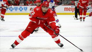 Athanasiou, Howard lead Red Wings past Senators, 3-2