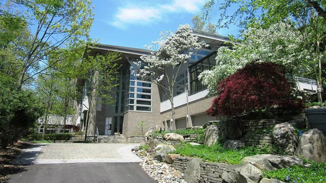 Contemporary home in desirable Ann Arbor neighborhood for sale
