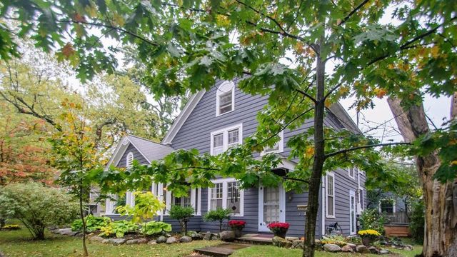 Beautiful 1920s home in Ann Arbor's Angell neighborhood for sale