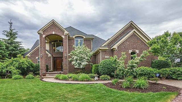 Luxurious Ann Arbor home with custom finishes for sale