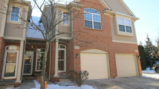 Ann Arbor townhouse in fantastic location for sale