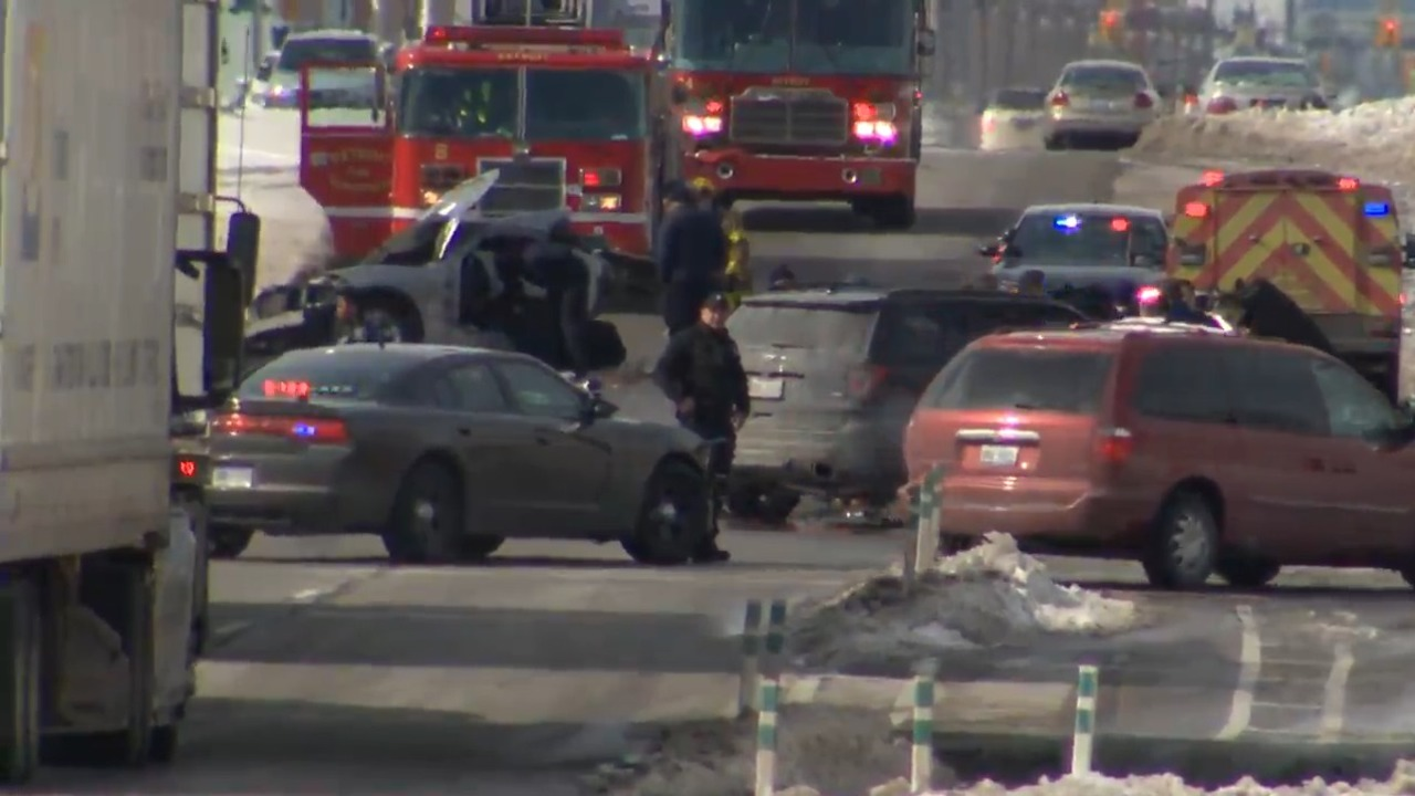 LIVE: Officer involved in crash on Michigan Avenue in Detroit