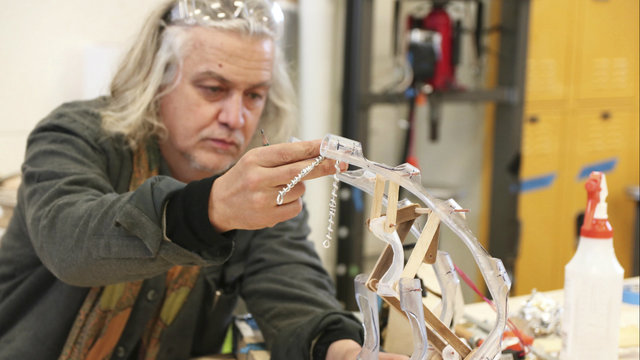 Artist Chico MacMurtrie, U-M students to demonstrate border-crossing…