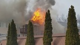 VIDEO: Flames pour out of an apartment complex in Wayne