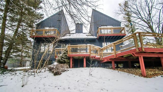 Contemporary Ann Arbor Hills home on the market