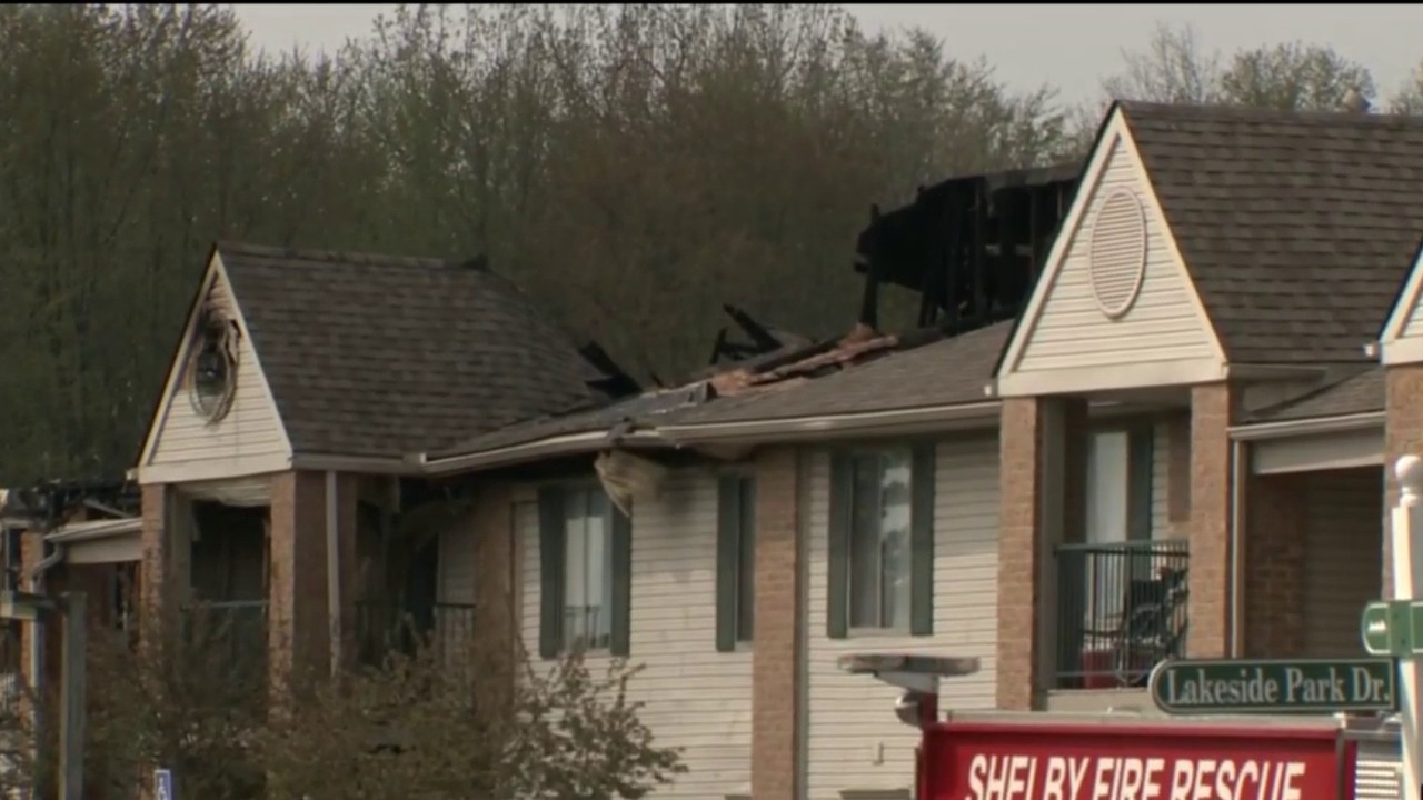 Fire destroys Shelby Township apartments