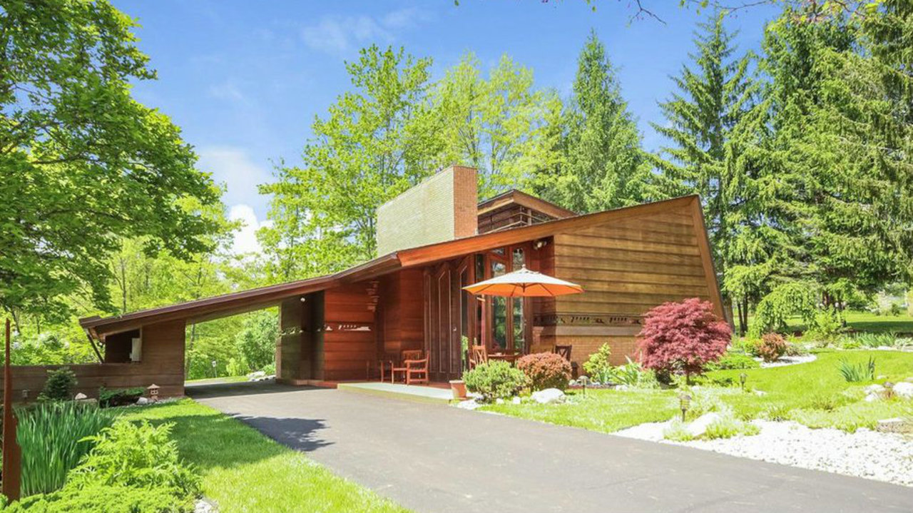this frank lloyd wright home is for sale in ann arbor. Black Bedroom Furniture Sets. Home Design Ideas