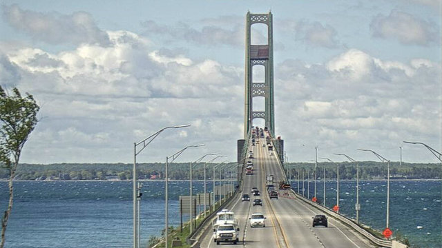 Mackinac Bridge will stop accepting tokens in September