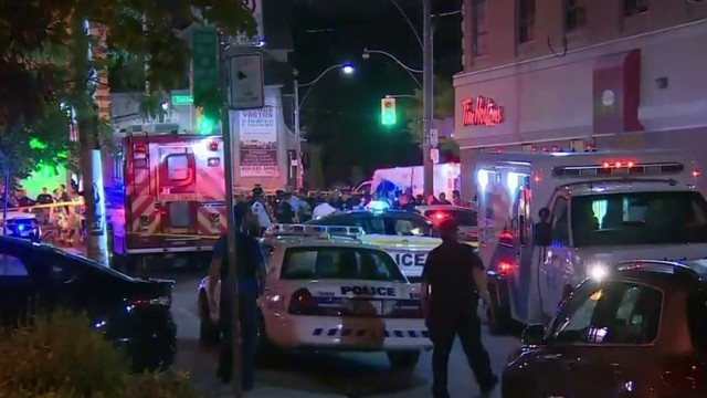 3 dead, including gunman, 12 others injured in Toronto mass shooting