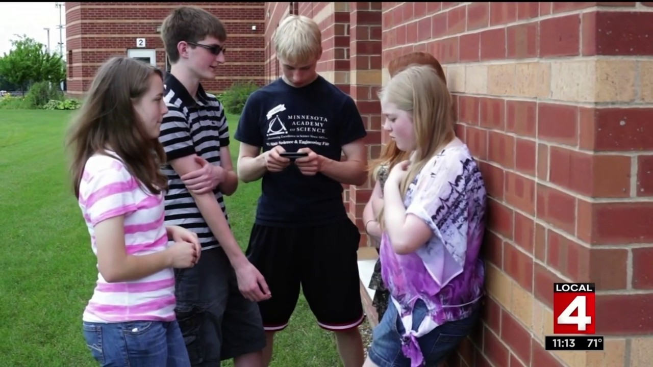 Experts encourage parents to talk to children about