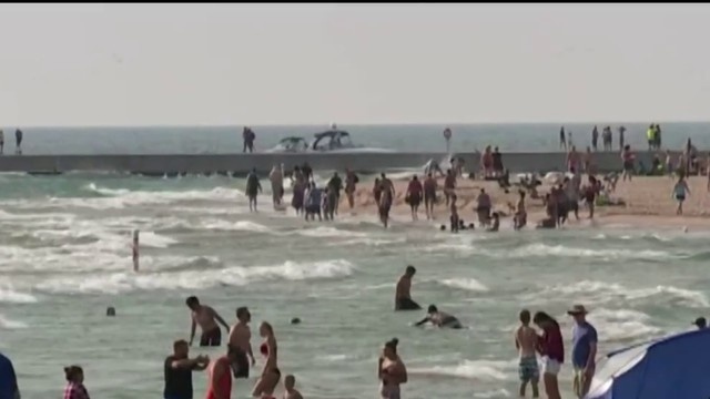 Two swimmers die on Lake Michigan despite bystanders' rescue attempts