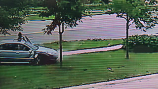 Video shows driver walk away from deadly street racing crash in&hellip&#x3b;