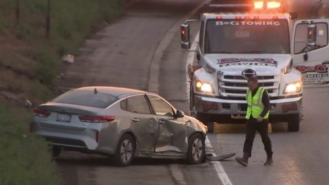 1 arrested, woman injured after road rage shooting leads to crash on…