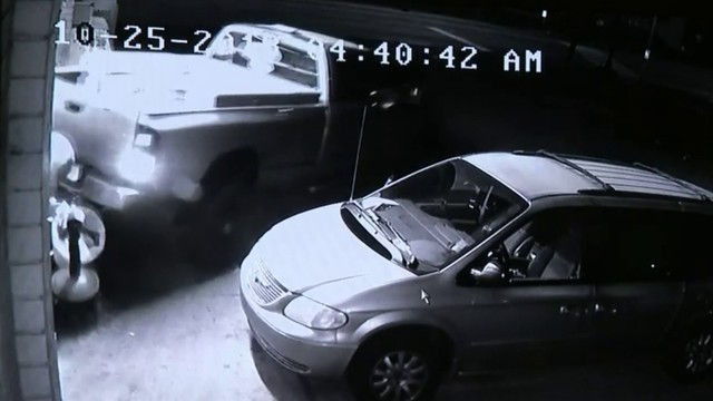 Surveillance video shows thieves smash truck into Warren liquor store