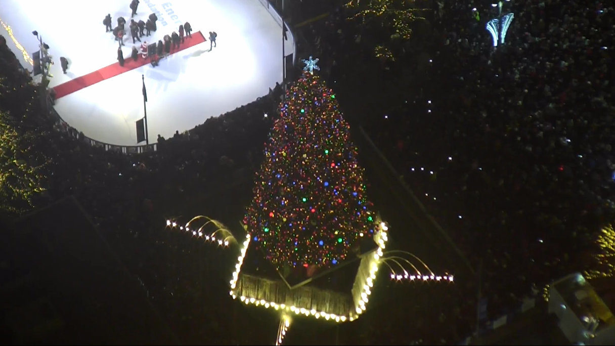 Watch 2018 Detroit Christmas Tree Lighting At Campus Martius