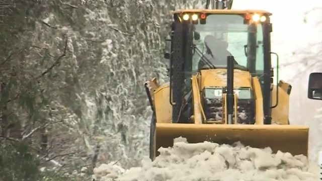 WATCH: Detroit officials discuss upgrade to neighborhood street snow…