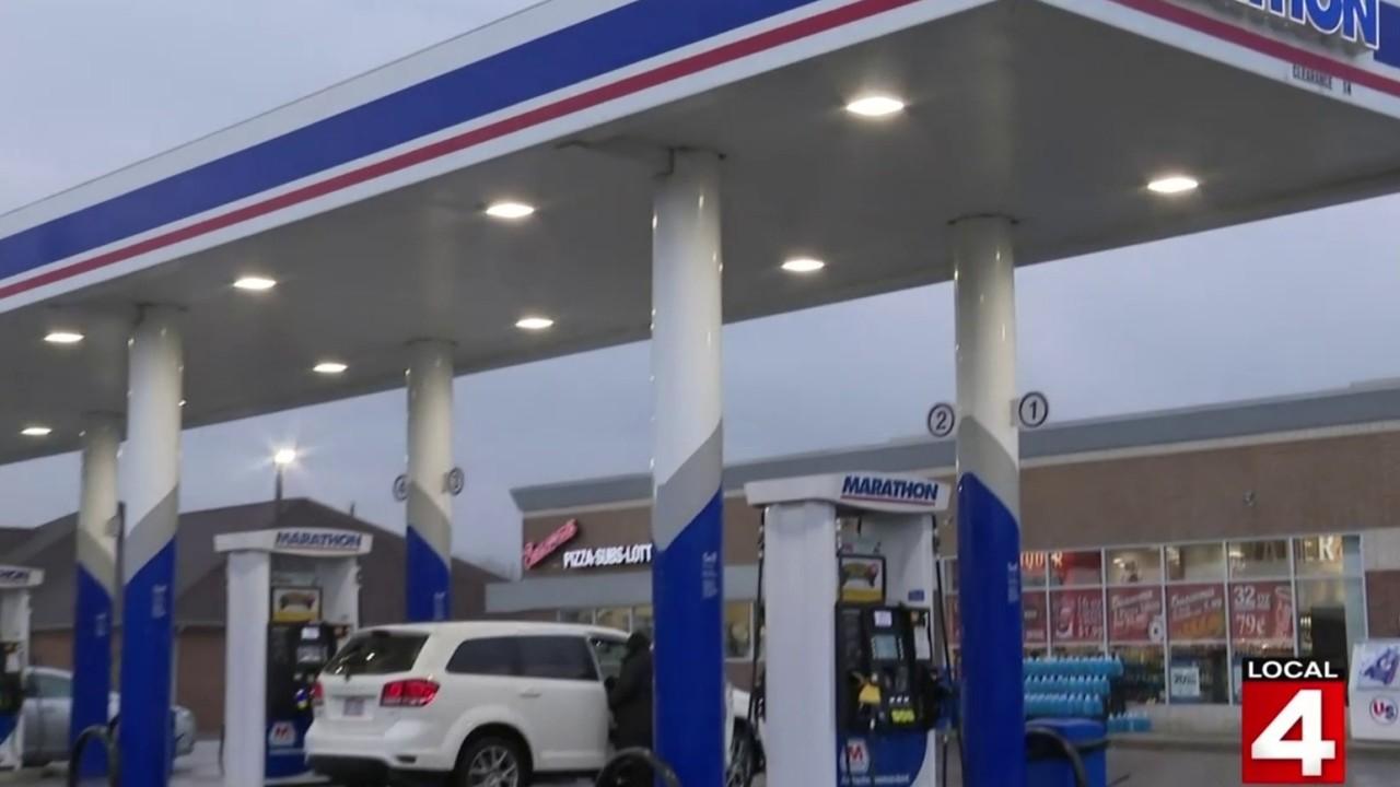 Detroit Gas Prices >> Gas Prices Fall In Metro Detroit