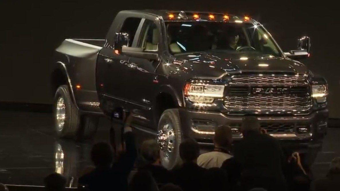 Heavy-duty 2019 Ram 2500, 3500 pickup trucks unveiled at...