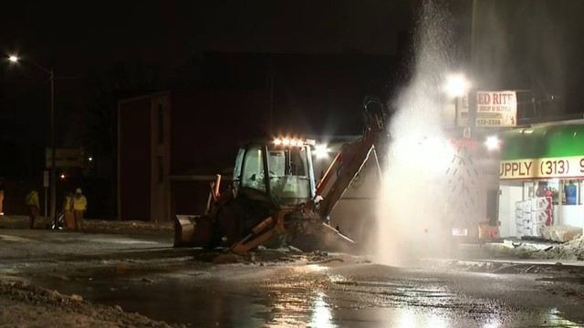 Fort Street closed in Lincoln Park due to water main break