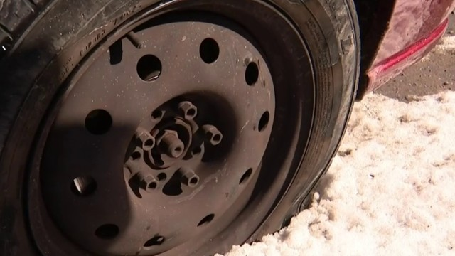 Michigan roads: Pothole on I-75 causes big issues for drivers headed to…
