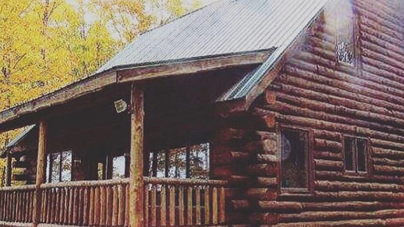 Michelin star chef opening all-inclusive log cabin getaway in Michigan's Upper Peninsula