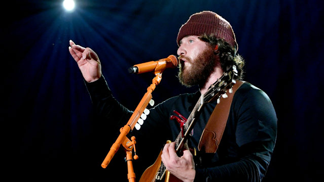 'I'm more authentic:' Detroit native Mike Posner completes his walk…