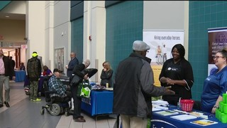 Veterans turn out in large numbers for Detroit job fair