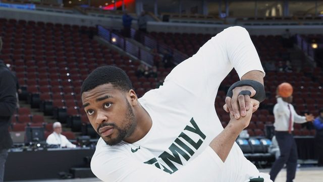 Michigan State engineering school creates special brace for Nick Ward's hand