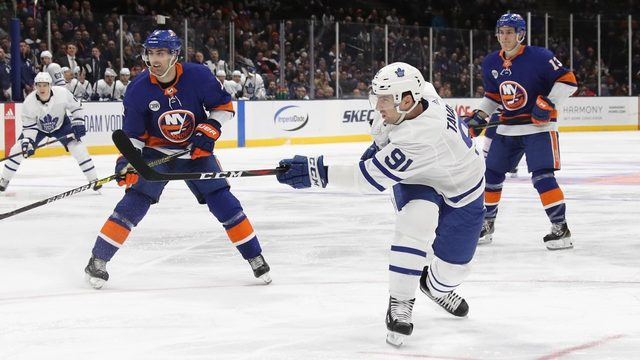 Tavares scores as Maple Leafs top Islanders 2-1 to clinch spot