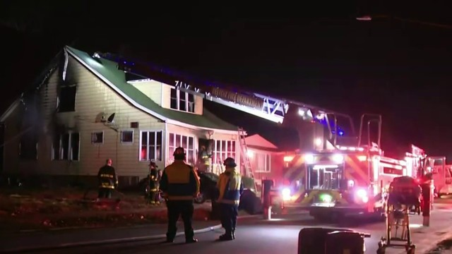 Teen saves mom, 2 siblings from house fire on Detroit's west side