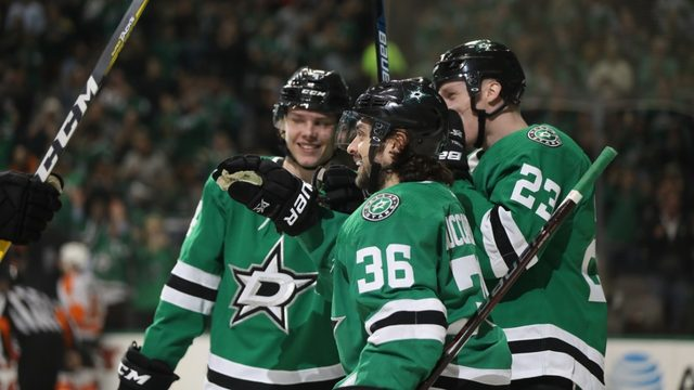 Stars clinch playoff spot; Canes get big win