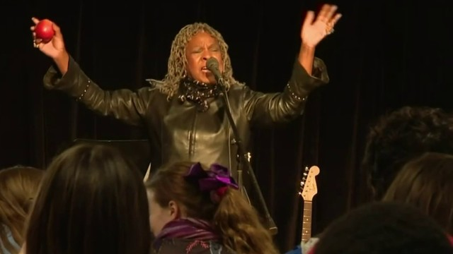 Motown star Martha Reeves makes special visit to Ann Arbor Academy