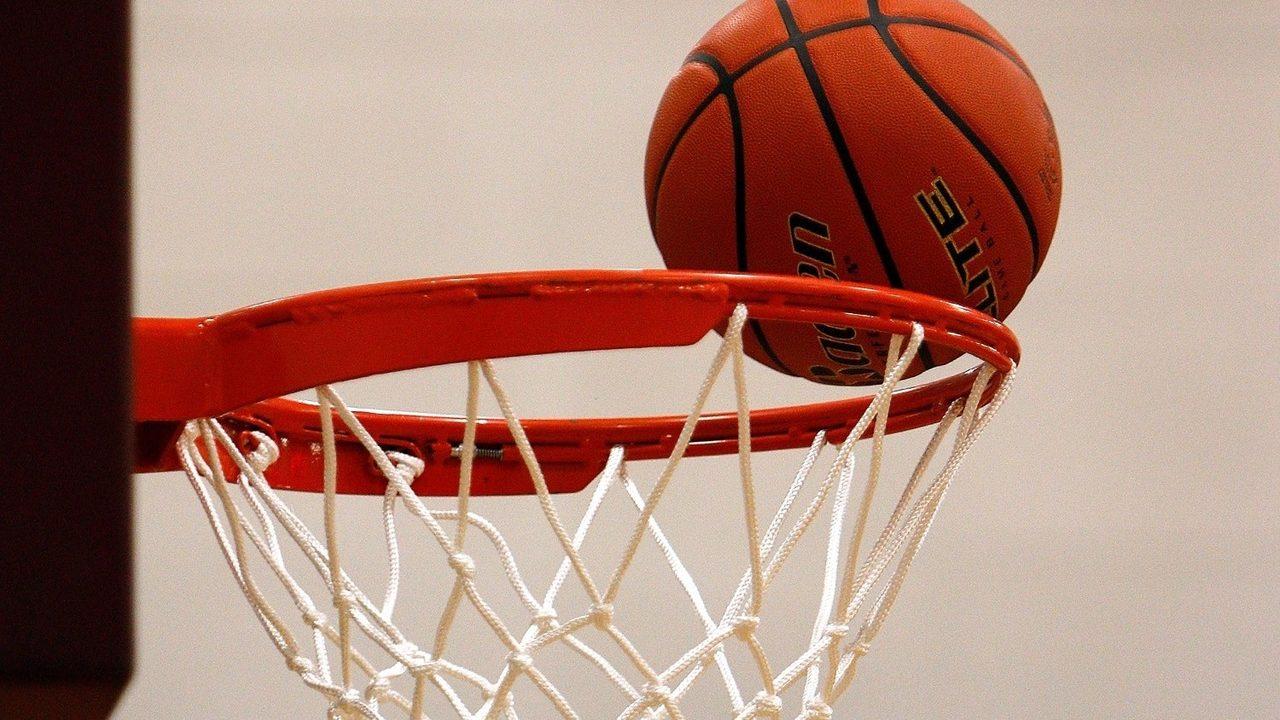 Michigan youth basketball coach accused of punching Kentucky