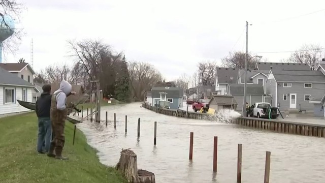 Lake Erie floods Michigan neighborhood that just recovered from 2018 floods