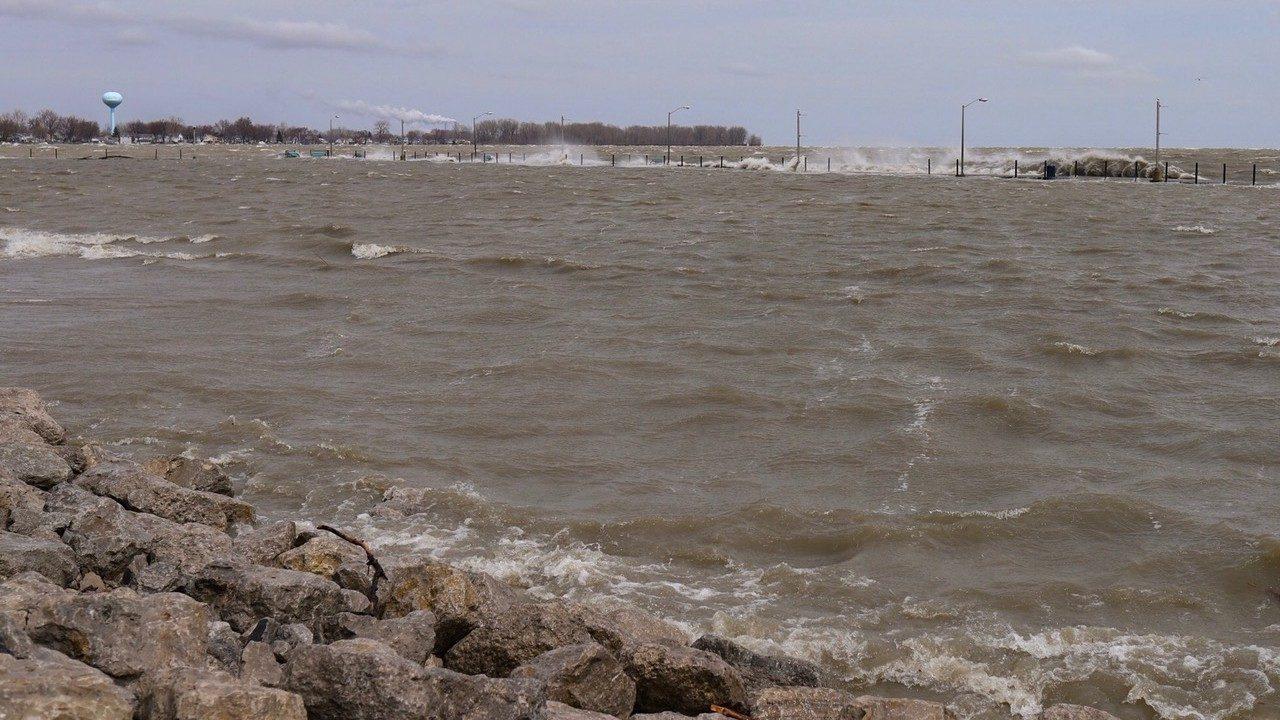 Lake Erie shoreline residents battle flooding after intense