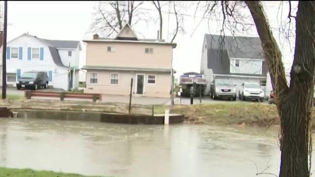 Lake Erie shoreline residents battle flooding after intense weather