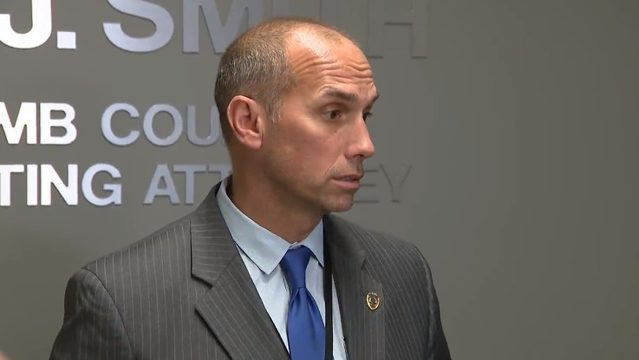 Macomb County prosecutor makes statement after office raided