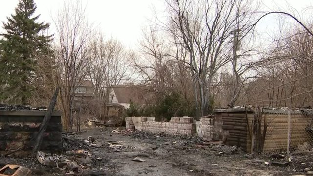 Detroit police investigate whether man found dead in backyard of burning&hellip&#x3b;