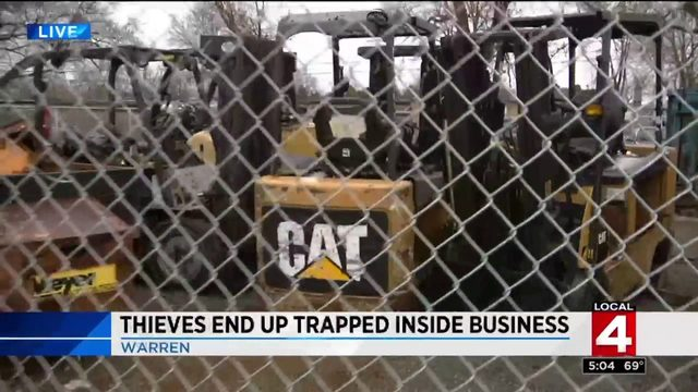 Thieves end up trapped inside Warren business