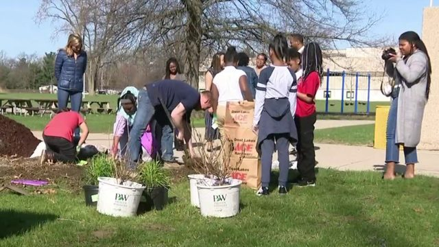 Students celebrate Earth Day in Romulus