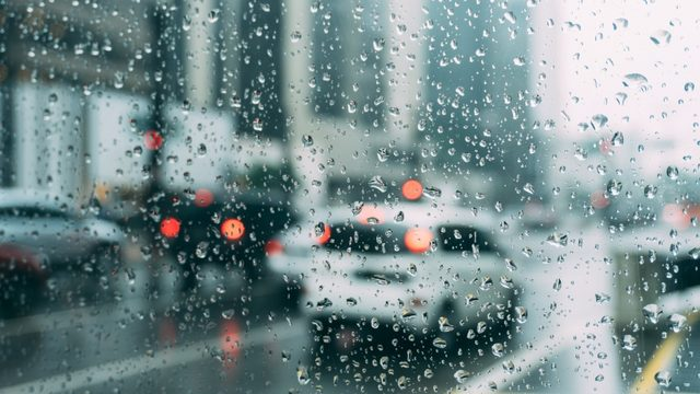 Even light rain increases your risk of a deadly car crash, report finds