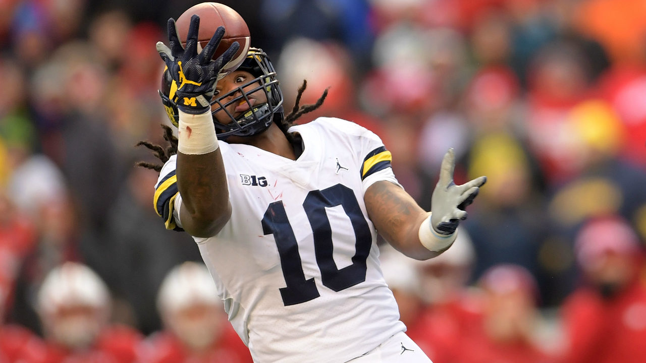 216aceecb Pittsburgh Steelers select Michigan linebacker Devin Bush with...