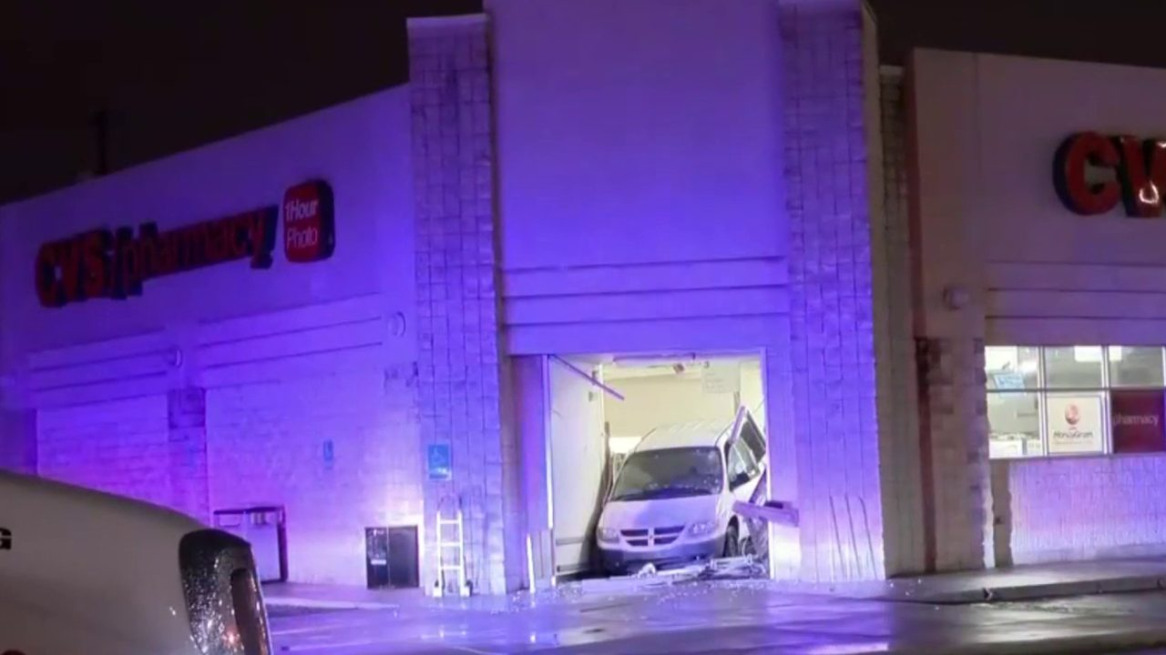 Minivan smashes into CVS store on Dix Highway in Lincoln Park
