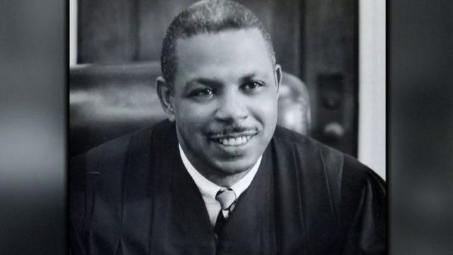 Crowds bid farewell to civil rights icon and Detroit federal judge Damon&hellip&#x3b;