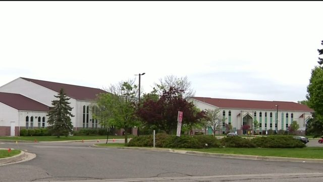 Police investigating suspicious man who tried to enter Canton mosque&hellip&#x3b;