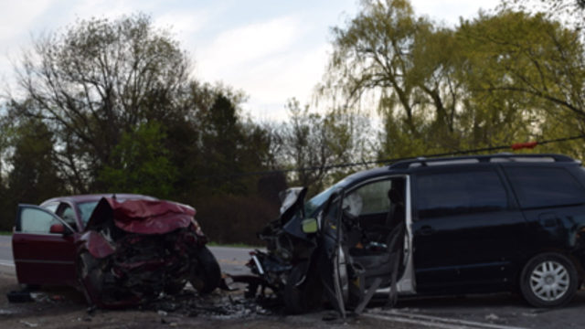 Lapeer County crash leaves man dead, another in serious condition